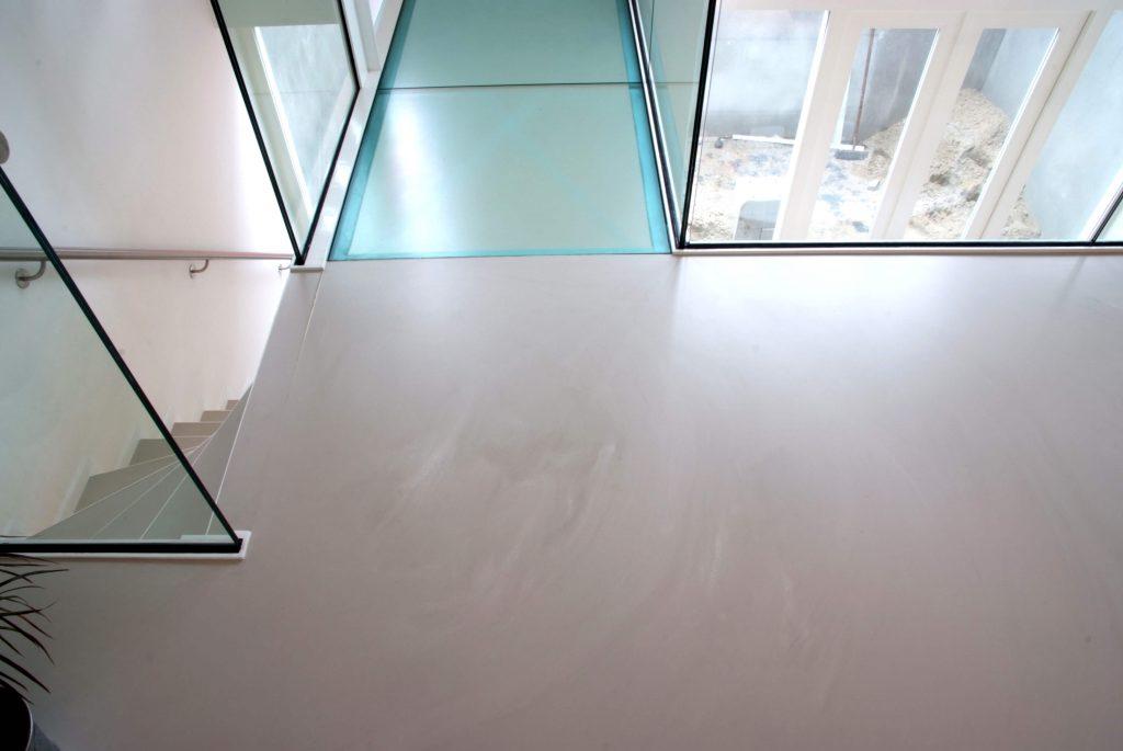 Een gietvloer op de trap