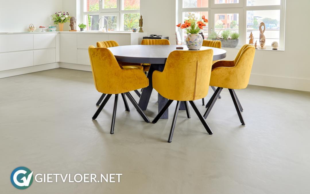 Een betonvloer in een nieuwbouwwoning in Zaandam