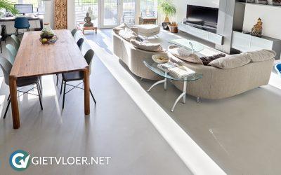 Een betonvloer in een appartement in de Utrechtse Heuvelrug