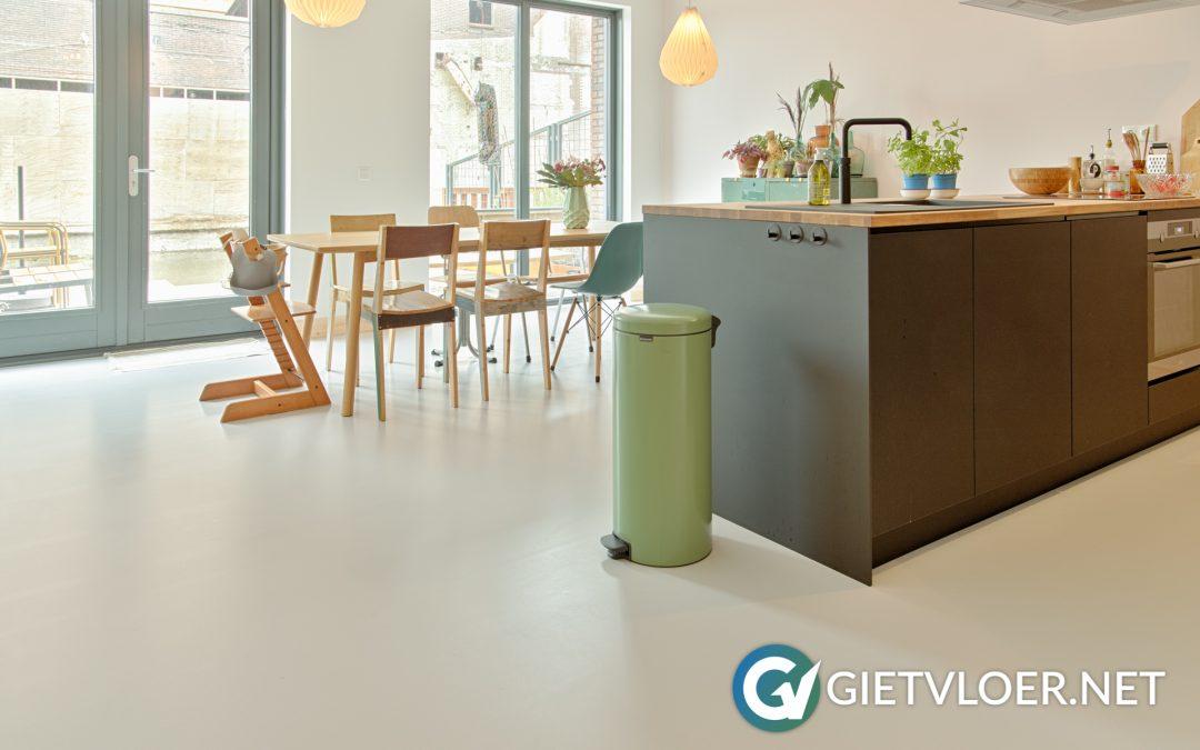 Gietvloer met vloerverwarming in Amsterdam