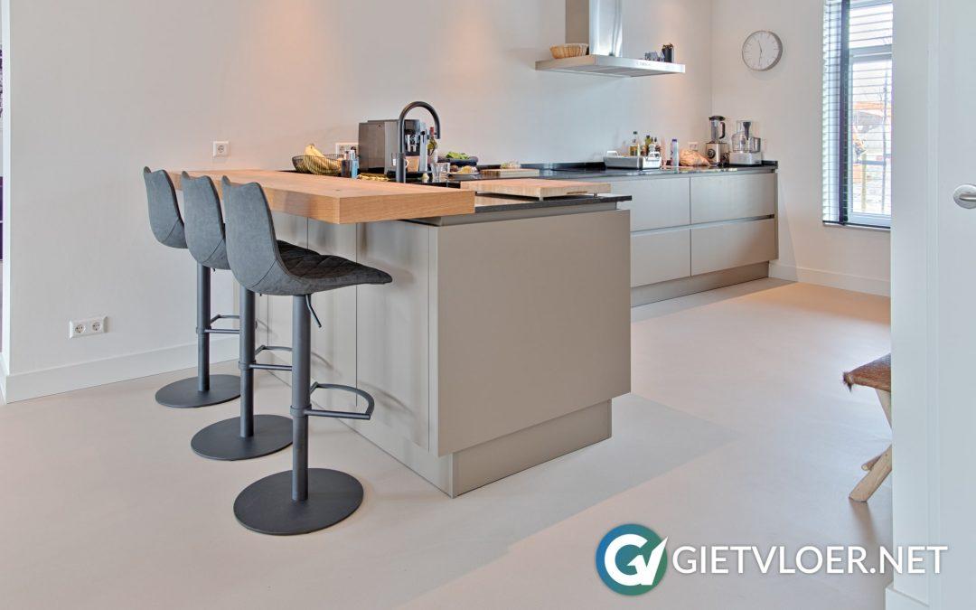 Design betonvloer in nieuwbouwwoning Haarlem